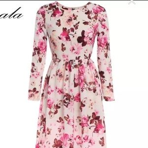 Dresses & Skirts - Long Sleeve Floral Maxi Dress Gown Size 6-8 PETITE